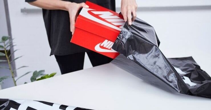 Big name brands like Nike take the time to ensure that even if their packaging is not unique, that it is at least practical. Handmade items though need to take their packaging a step further so they can stand out ahead of the competition.
