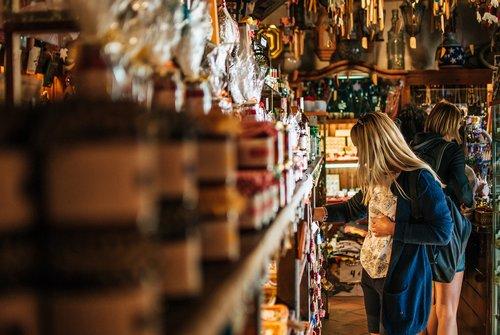 WooCommerce order management for e-commerce manufacturers.
