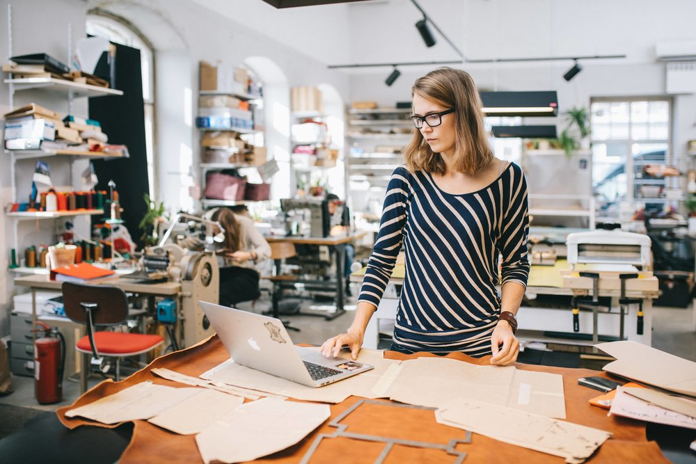 Shopify multiple storefronts allow manufacturers to reach different audience types.
